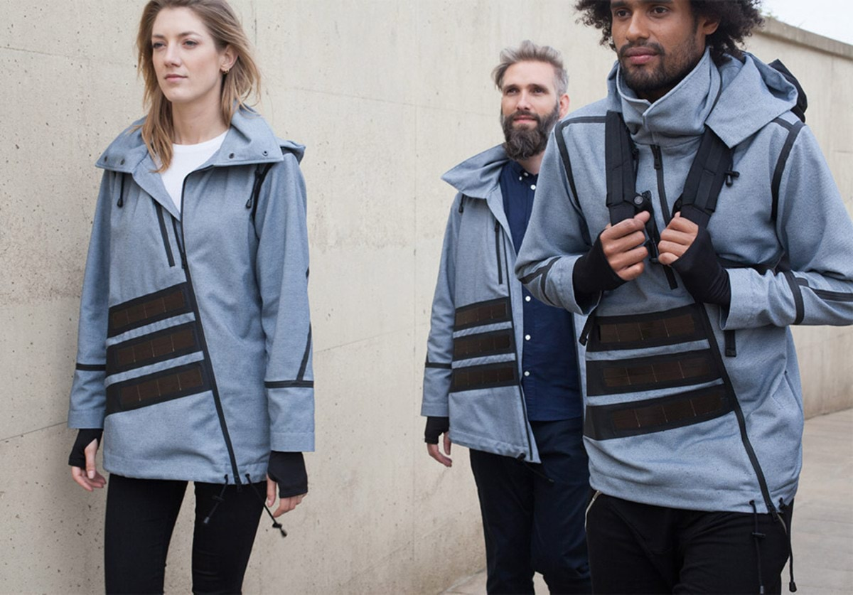 solar-windbreaker-pauline-van-dongen-clothing-the-netherlands_dezeen_936_8