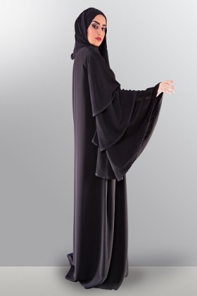 women-in-black-2500aed-1