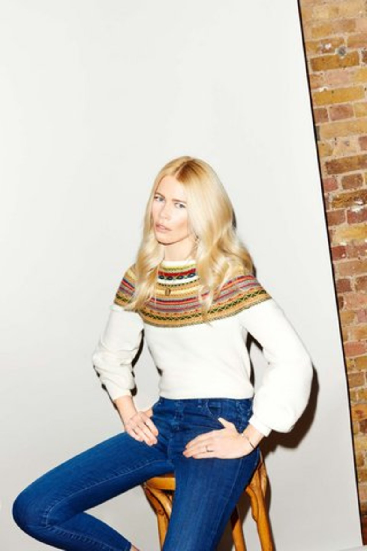 01-claudia-schiffer-knit-wear