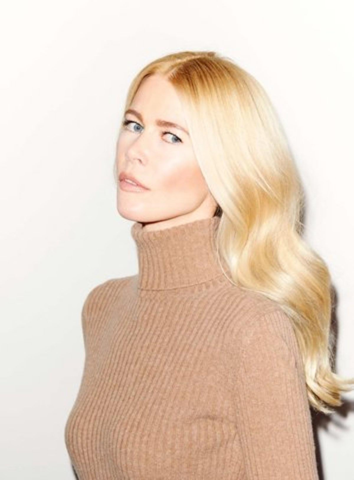 04-claudia-schiffer-knit-wear
