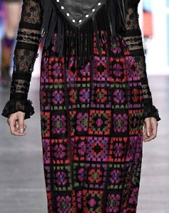 385D0F5E00000578-3790082-Sisters_unite_Gigi_and_Bella_Hadid_walked_Anna_Sui_s_fashion_sho-a-78_1473898044847