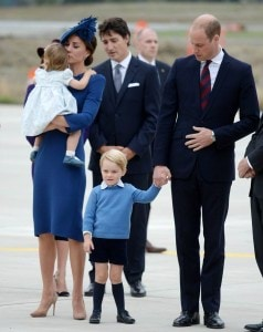 38C366CD00000578-3805952-Prince_George_three_has_already_notched_up_a_royal_tour_to_Austr-a-5_1474773105126
