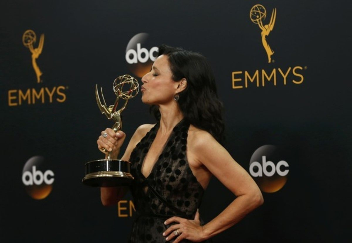 "Actress Julia Louis-Dreyfus poses backstage with her award for Outstanding Lead Actress In A Comedy Series for ""Veep"" at the 68th Primetime Emmy Awards in Los Angeles, California U.S., September 18, 2016.   REUTERS/Mario Anzuoni TPX IMAGES OF THE DAY"