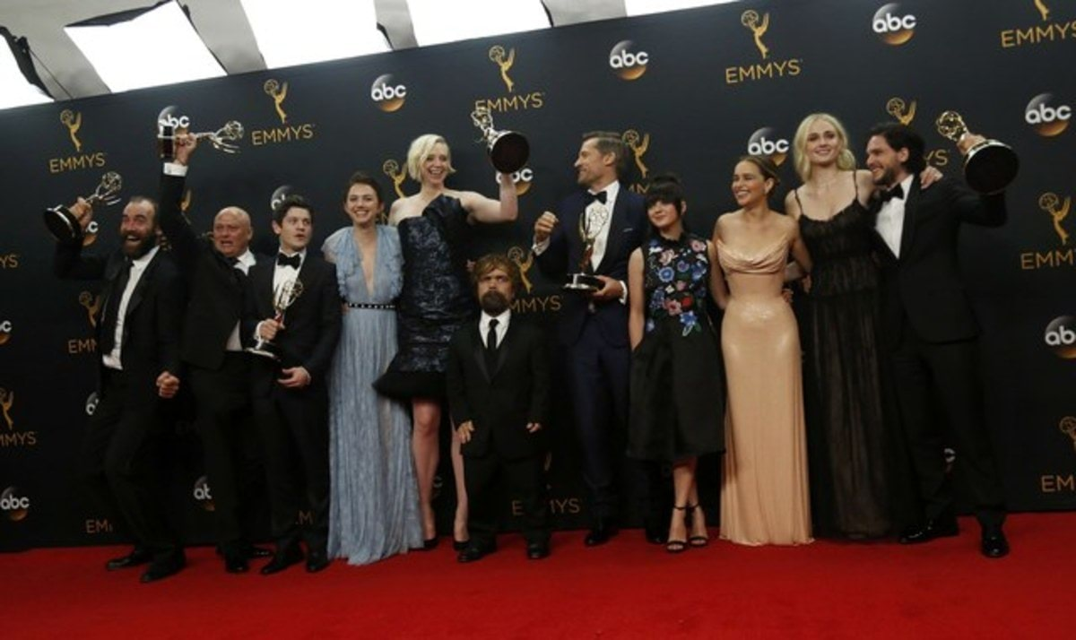 "The cast of HBO's  ""Game of Thrones"" pose backstage with their award for Oustanding Drama Series at the 68th Primetime Emmy Awards in Los Angeles, California U.S., September 18, 2016.  TPX IMAGES OF THE DAY    REUTERS/Mario Anzuoni"