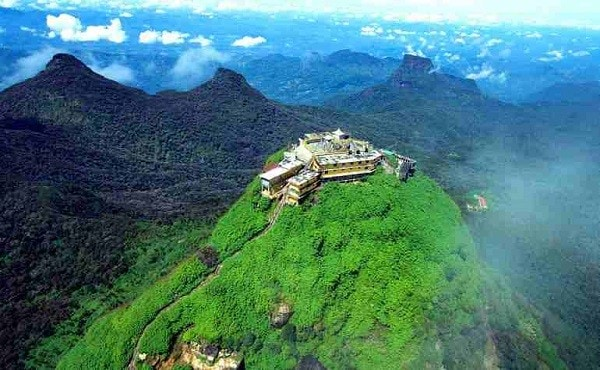 Adams-Peak-mountain-top-view