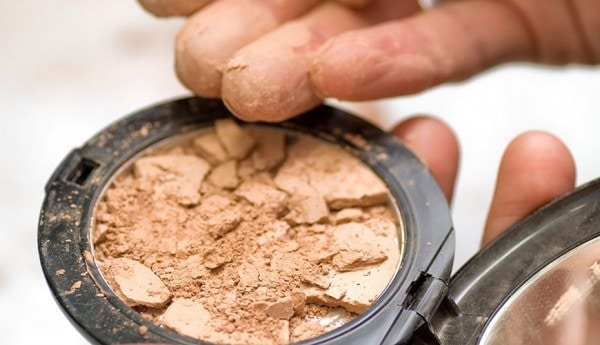 How-To-Fix-Broken-Makeup
