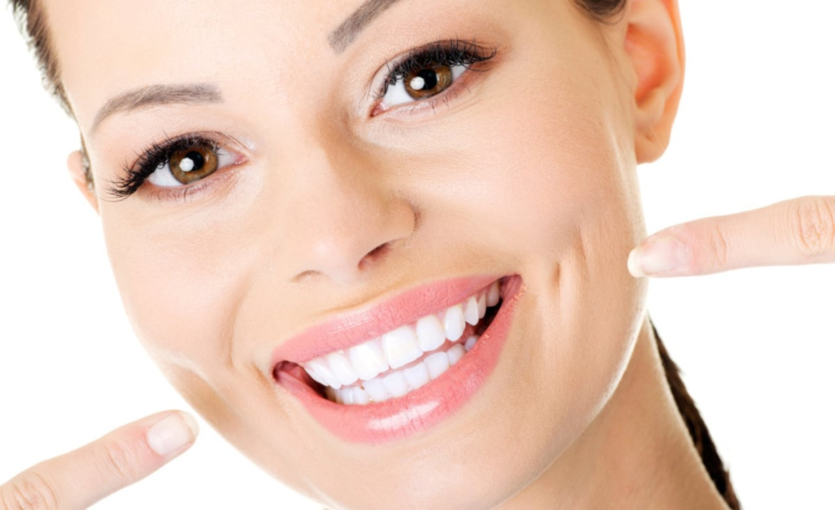 Whiter-teeth-help-to-build-confidence-copy-848x518