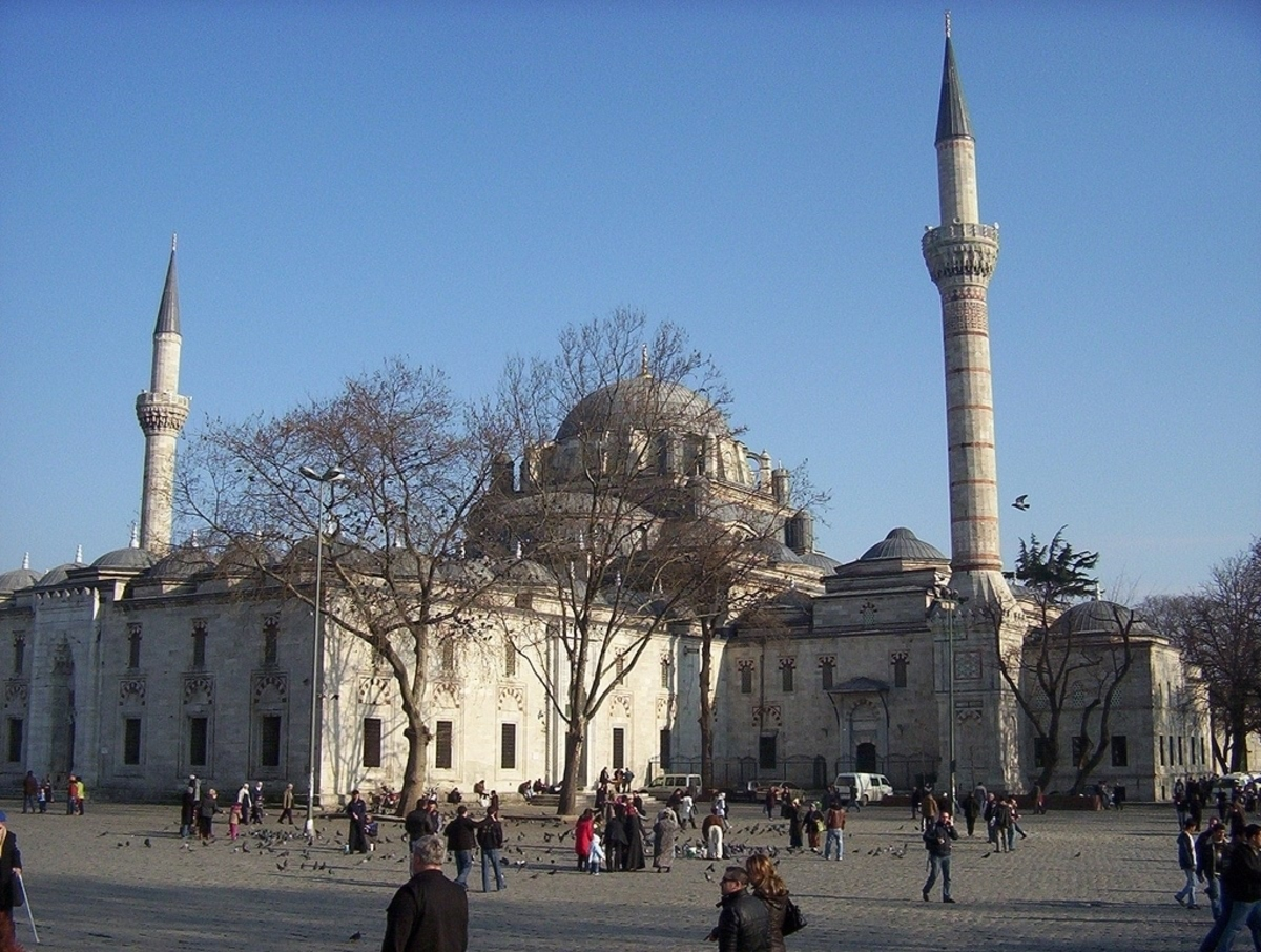 bayezid-mosque-in-istanbul-turkey