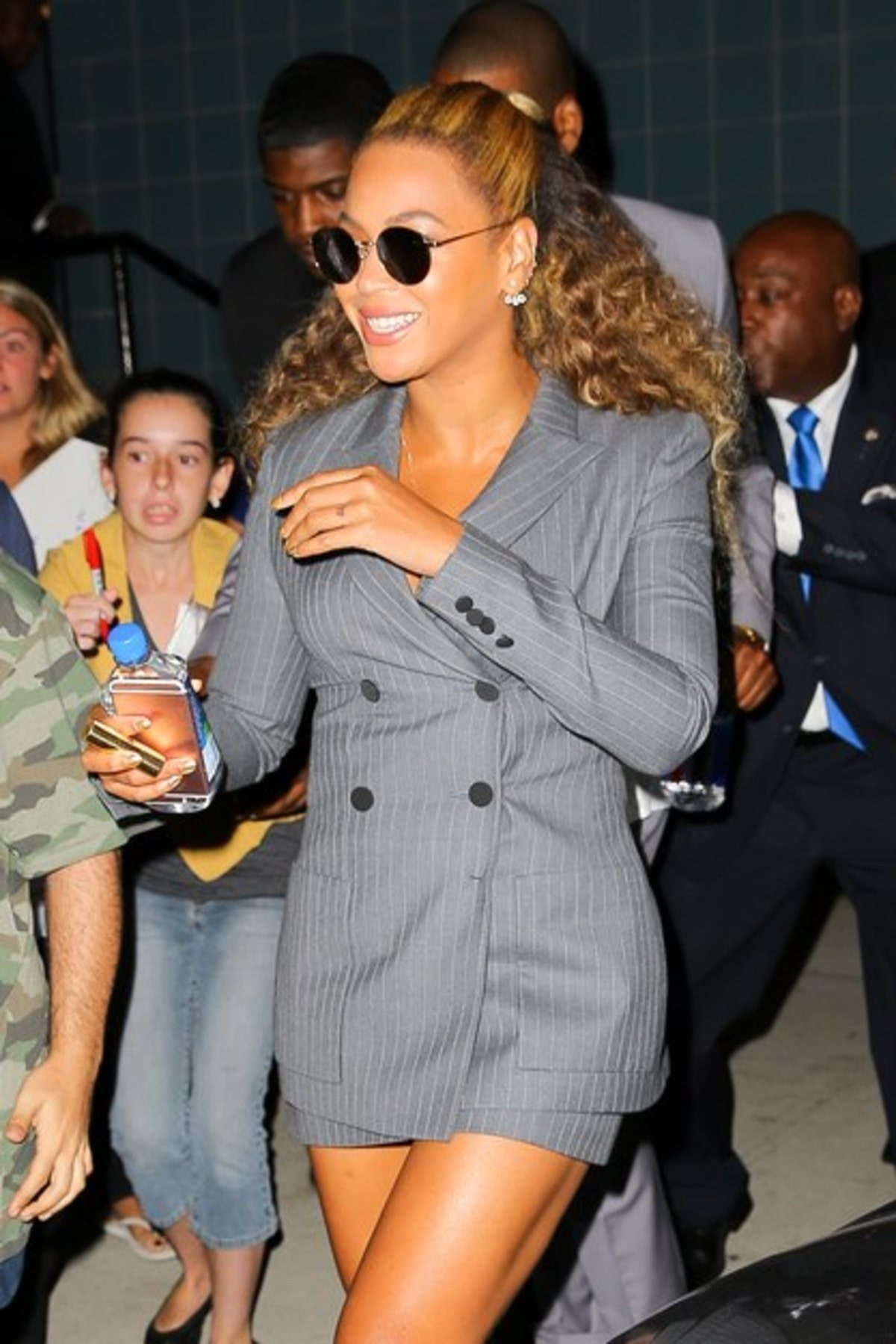 beyonce-gray-suit