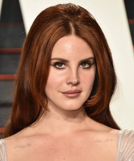 BEVERLY HILLS, CA – FEBRUARY 28:  Singer Lana Del Rey arrives at the 2016 Vanity Fair Oscar Party Hosted By Graydon Carter at Wallis Annenberg Center for the Performing Arts on February 28, 2016 in Beverly Hills, California.  (Photo by John Shearer/Getty Images)