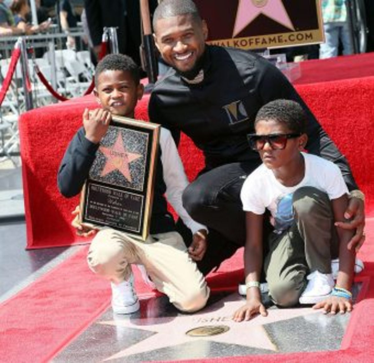 usher-walk-of-fame-2-340x330