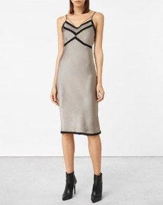 14-of-the-best-party-dresses-that-should-be-on-your-radar-already-1931523-1476033737.600x0c