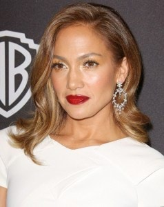 3920DB3300000578-3842210-Jennifer_Lopez_is_an_ambassador_for_L_Oreal_because_she_is_obvio-m-62_1476686343851
