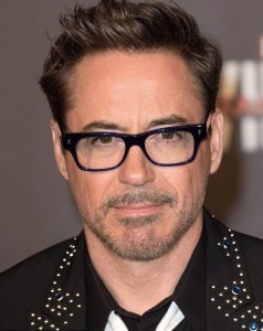 3920E43D00000578-3842210-Playing_Iron_Man_has_helped_Robert_Downey_Jr_smooth_out_any_wrin-m-68_1476686476401