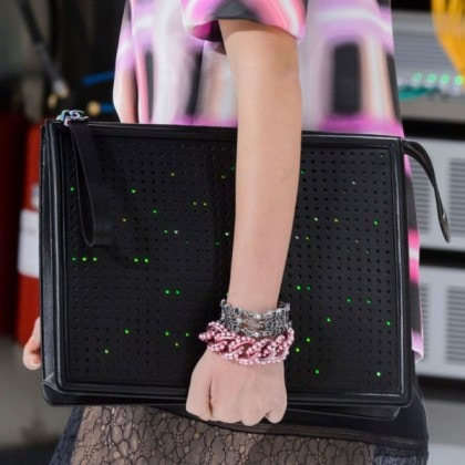 Chanel-black-LED-clutch-spring17-600x600