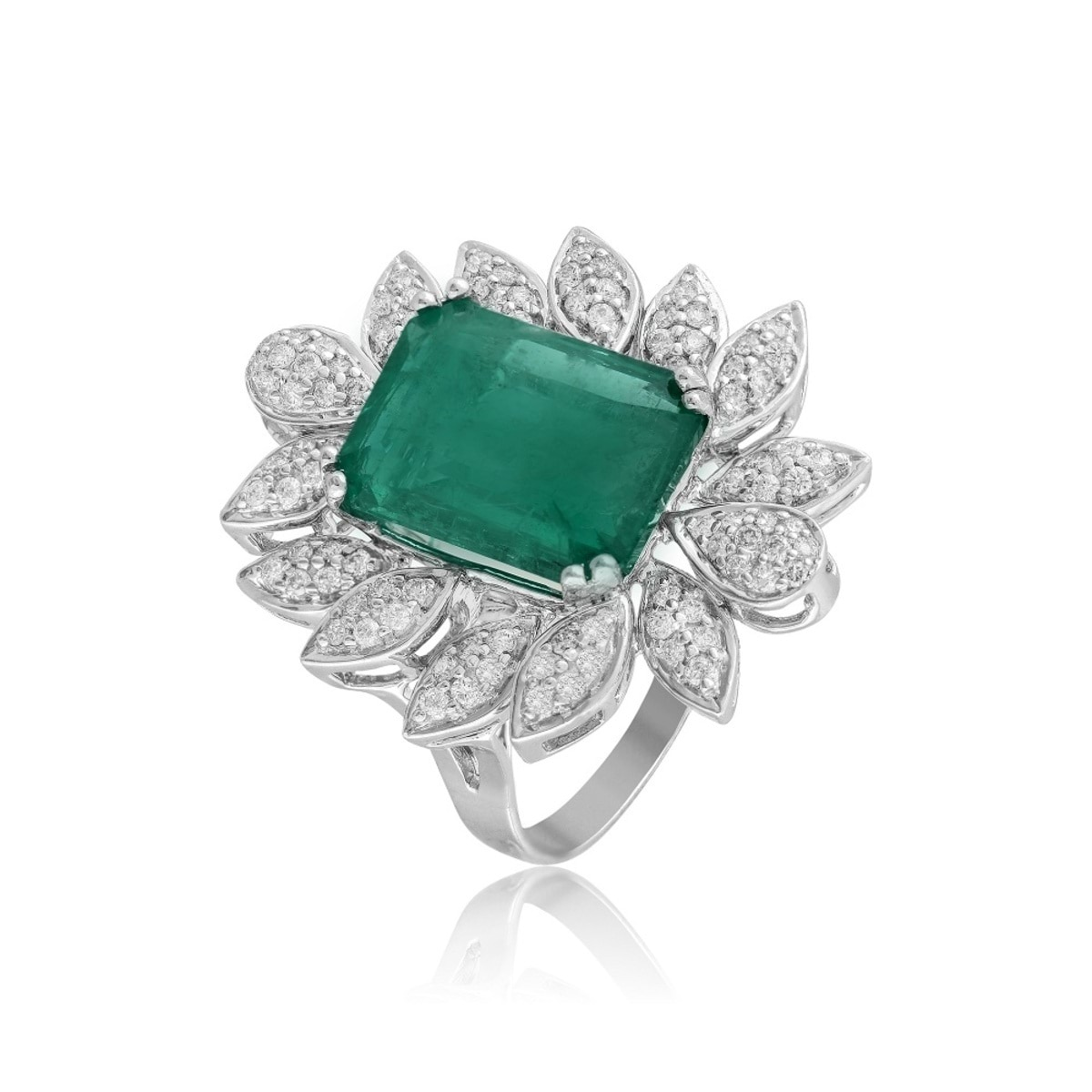 Emerald Ring - AED.12000