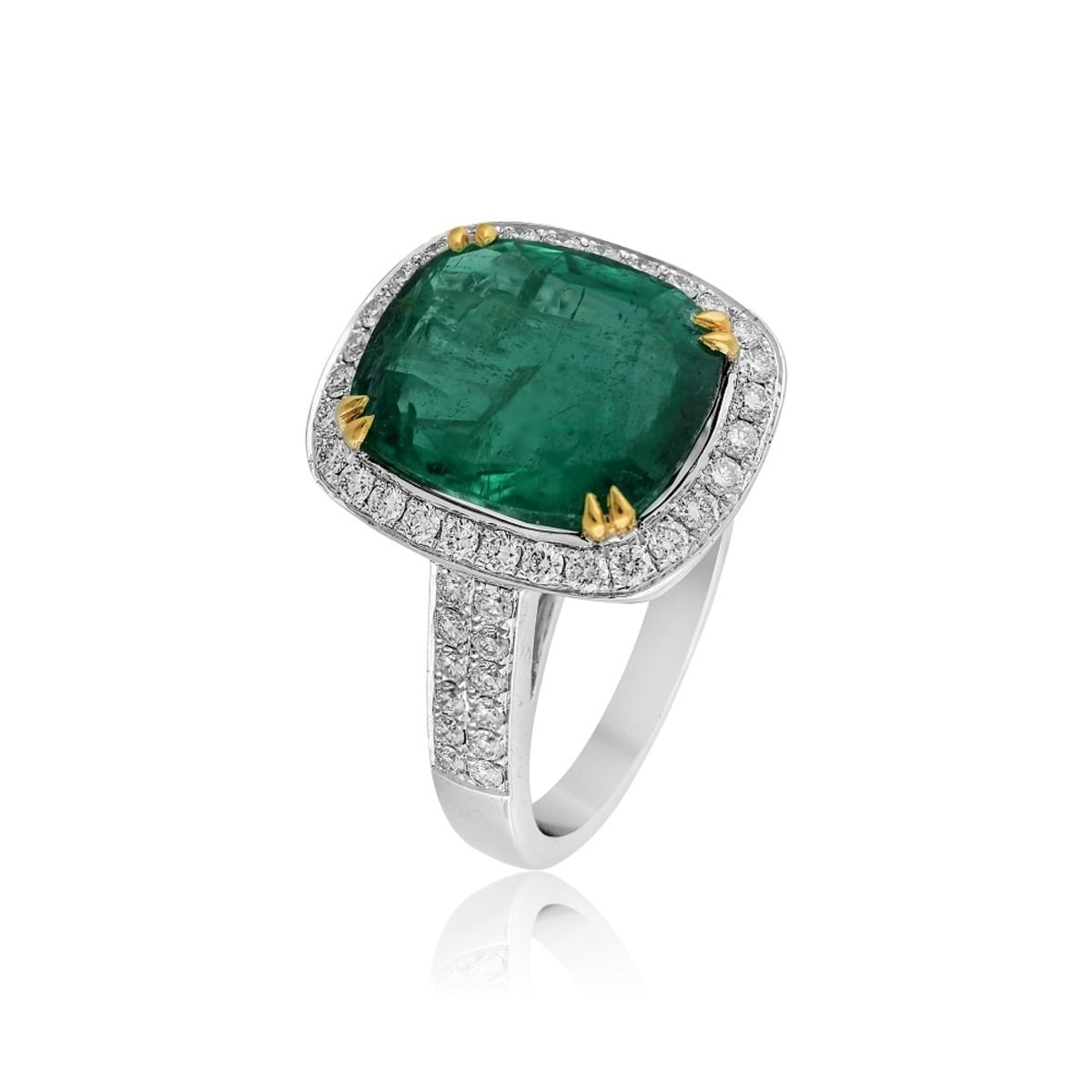 Emerald Ring - AED.48000