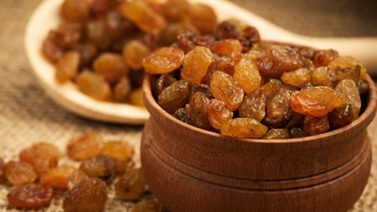 header_image_benefits-of-raisins-main-image-fustany