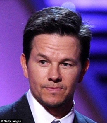 1852DC7300000578-3948780-Sharing_the_same_age_Mark_Wahlberg_and_Matt_Damon_46_are_often_m-m-116_1479464017709