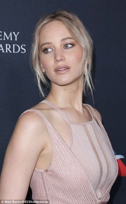 3A82104E00000578-3948780-Jennifer_Lawrence_and_Haley_Bennet_s_wavy_hair_and_face_shape_ha-a-6_1479463434786