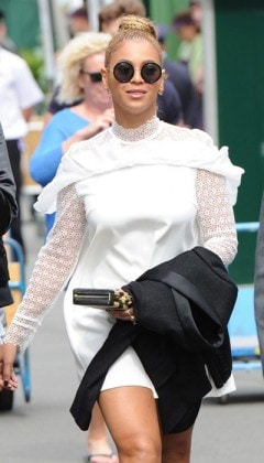 Beyonce-Wimbledon-Final-Street-Style-Self-Portrait-The-Row-Public-Desire-Tom-Lorenzo-Site-4