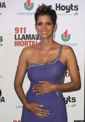 BUENOS AIRES, ARGENTINA - APRIL 08:  Actress Halle Berry attends the premiere of 'The Call' at Hoyts Cinemas on April 8, 2013 in Buenos Aires, Argentina.  (Photo by Lalo Yasky/WireImage)