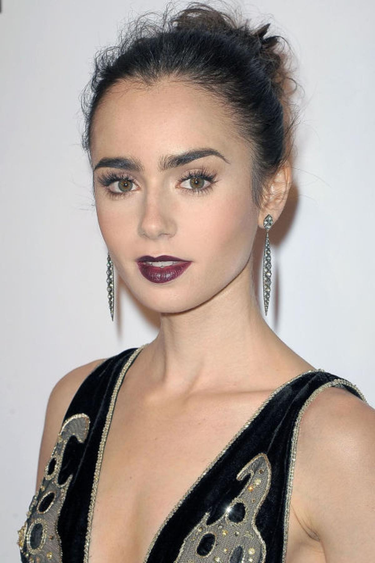 gallery-1478206623-hbz-beauty-secret-lily-collins-1