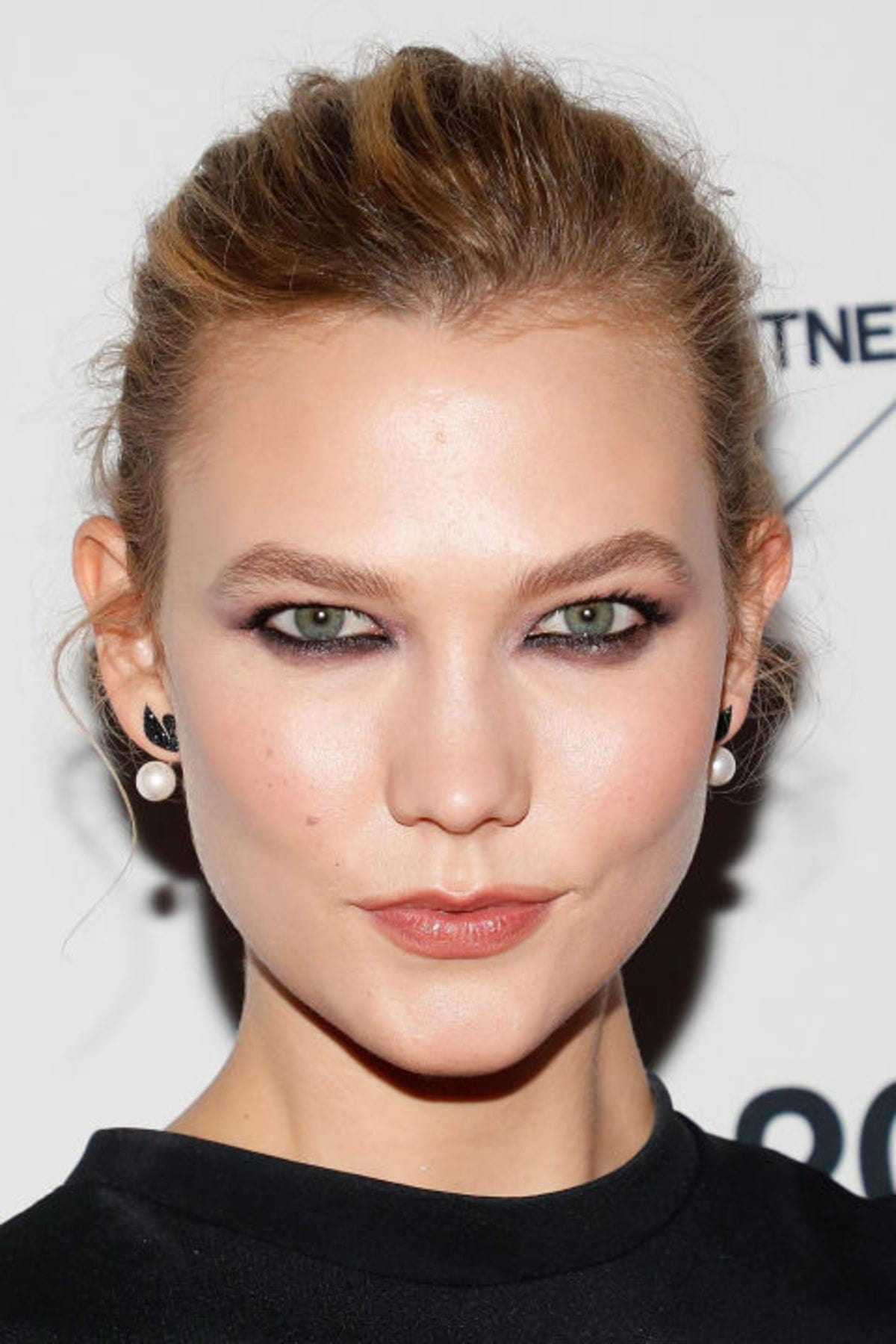 hbz-beauty-secret-karlie-kloss
