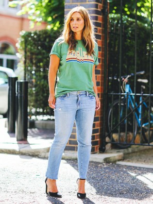 how-to-wear-graphic-tees-when-youre-a-grown-up-1956542-1477664547.640x0c