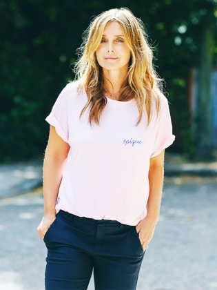 how-to-wear-graphic-tees-when-youre-a-grown-up-1956548-1477664757.640x0c