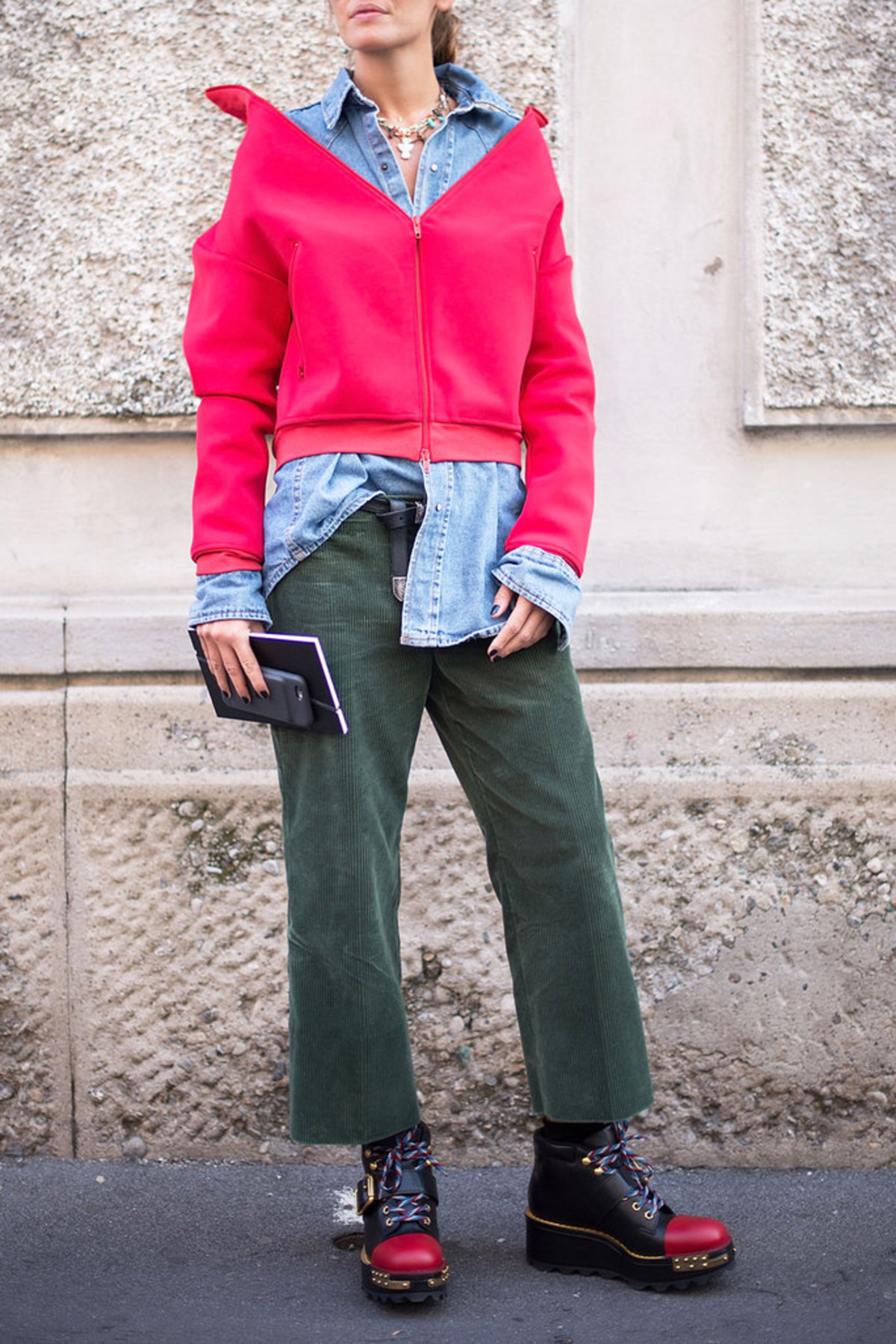 120816-red-green-street-style-6