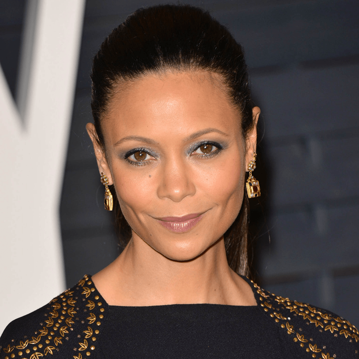 19240-ThandieNewton