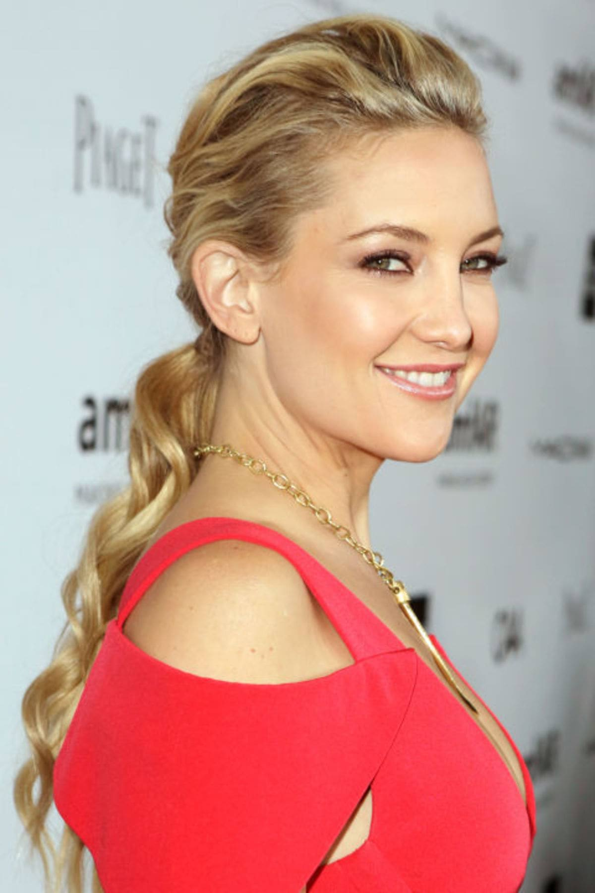 54bd0fa845287_-_hbz-the-list-ponytails-08-kate-hudson
