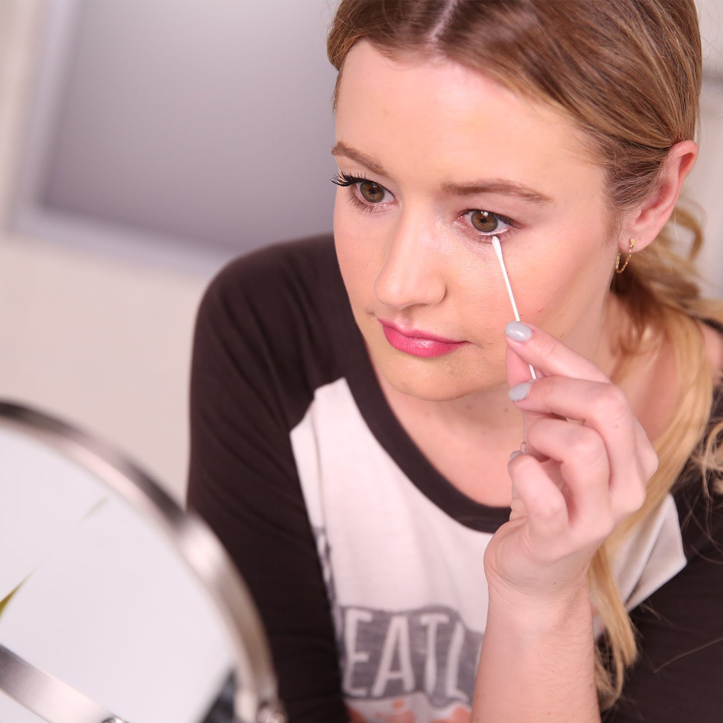 How-Remove-Mascara-Video