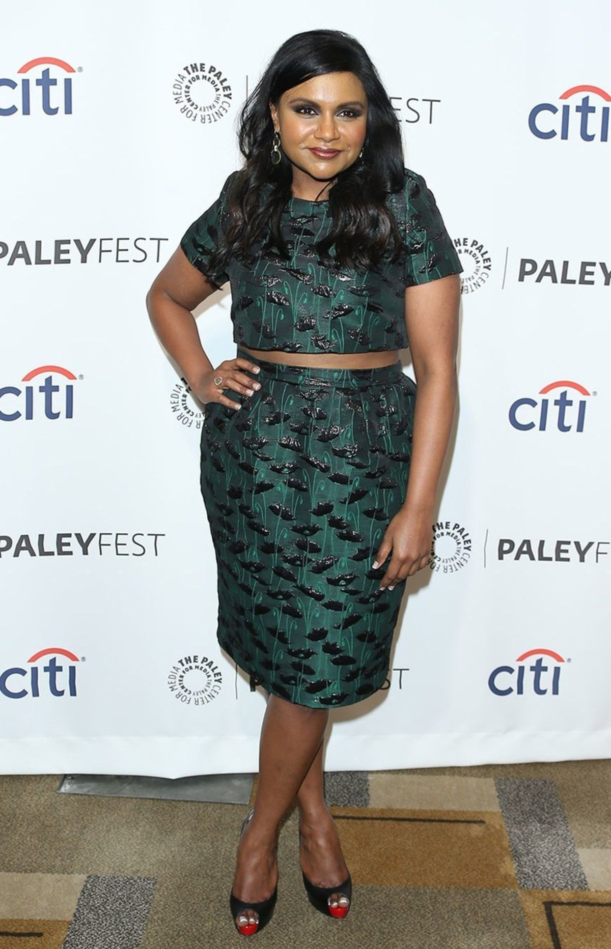 Mindy-Kaling-Crop-Top