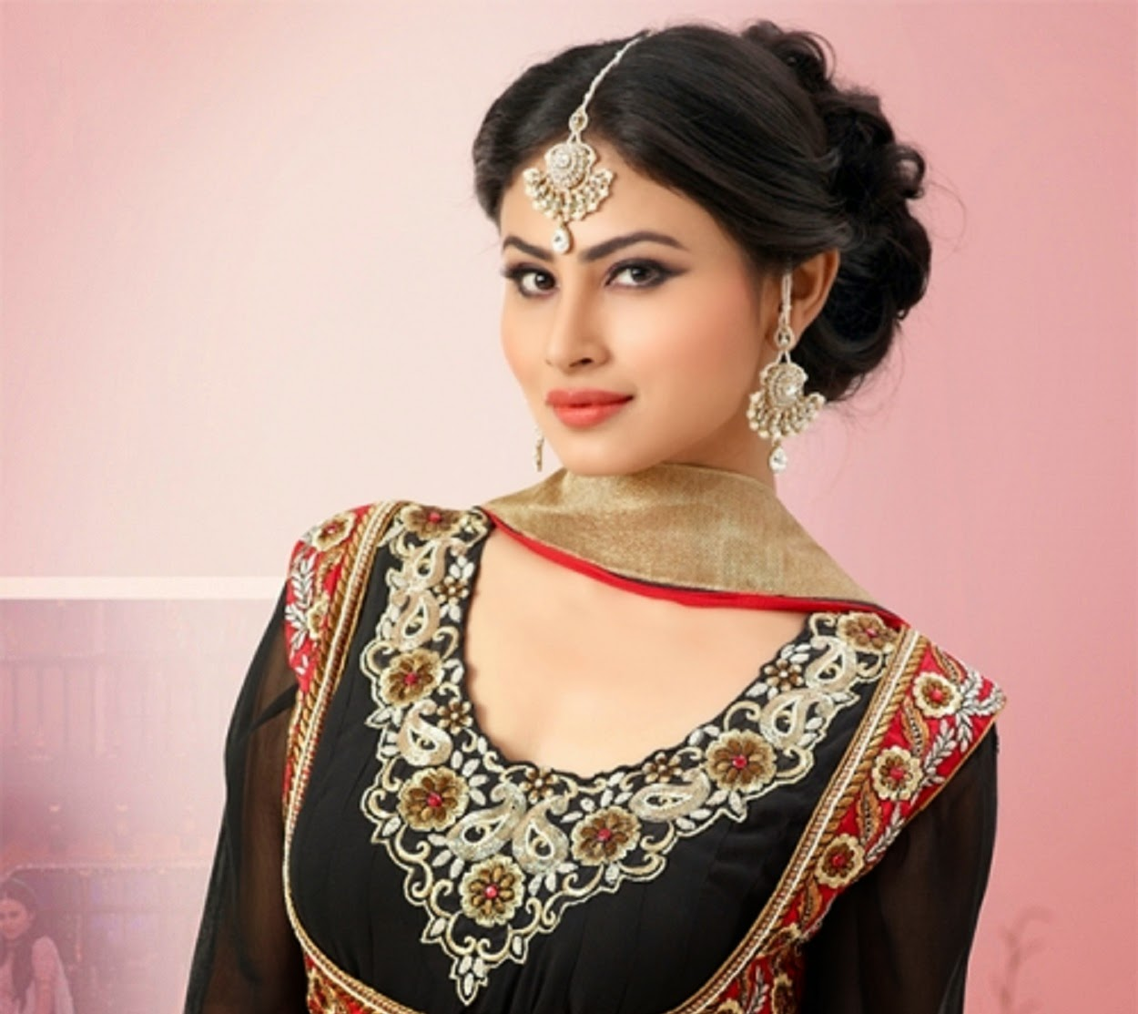 Mouni-Roy-Family-Husband-Father-And-Mother-Name-Age-Biography