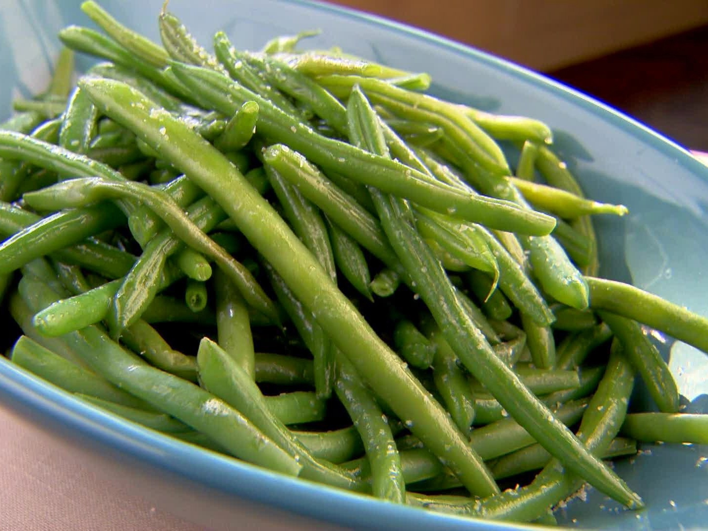 YW0203H_fresh-green-beans-aka-tom-cruise-green-beans-recipe_s4x3