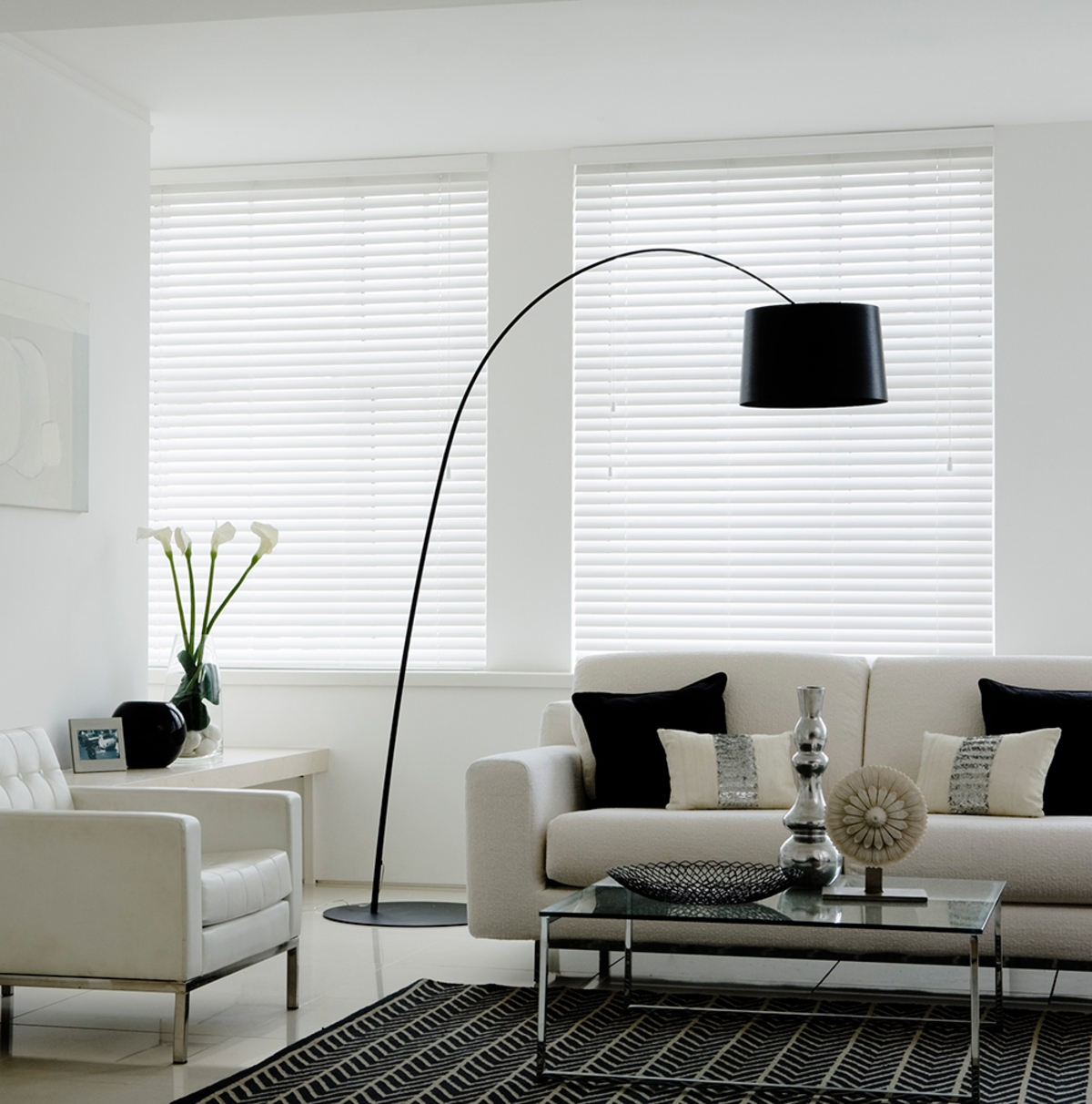 cheap-white-faux-wood-venetian-blinds-with-cords