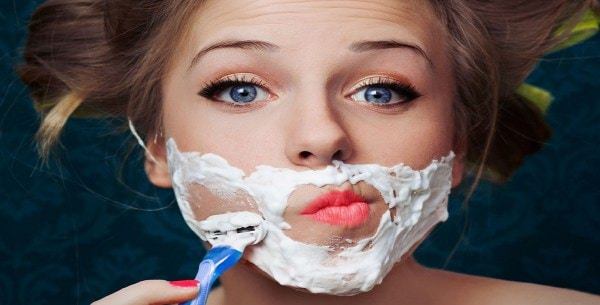 female-face-shaving
