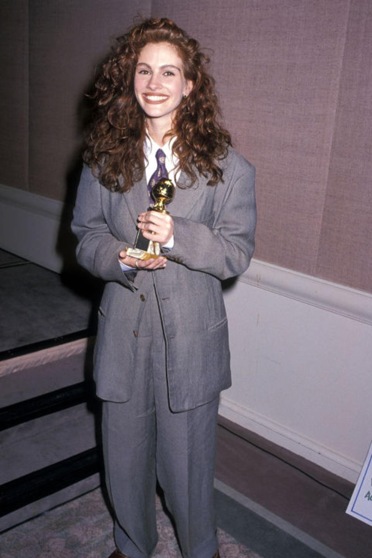 hbz-worst-gg-dresses-1990-gettyimages-119490939