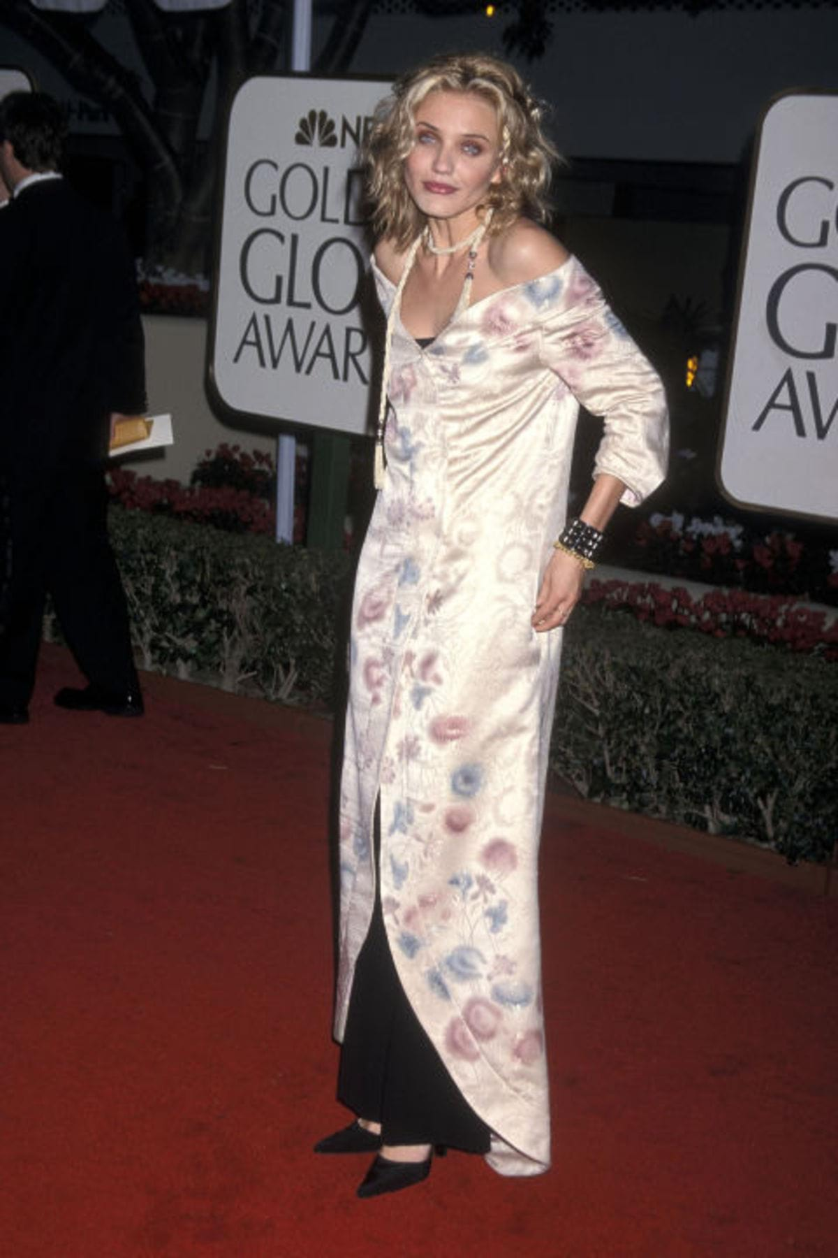 hbz-worst-gg-dresses-1999-gettyimages-109177918