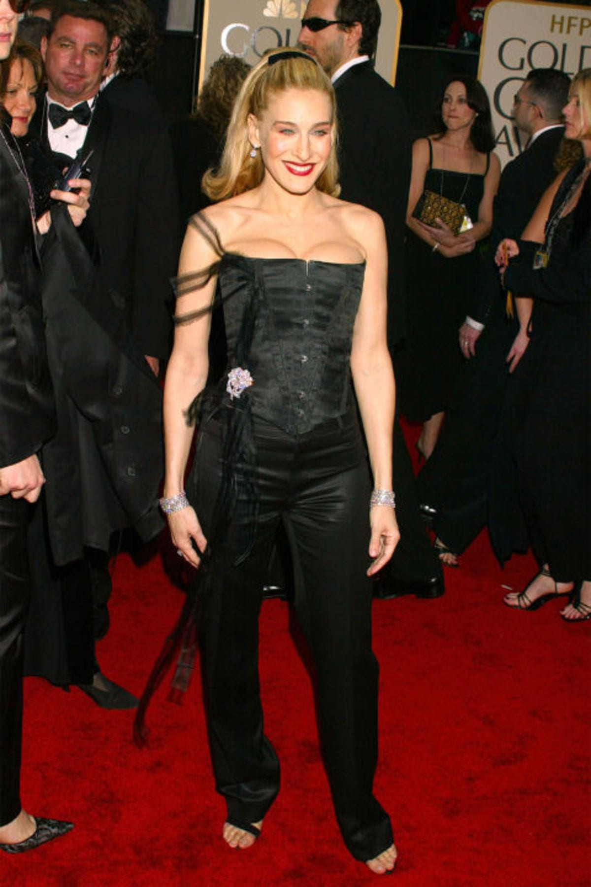 hbz-worst-gg-dresses-2003-gettyimages-104892888