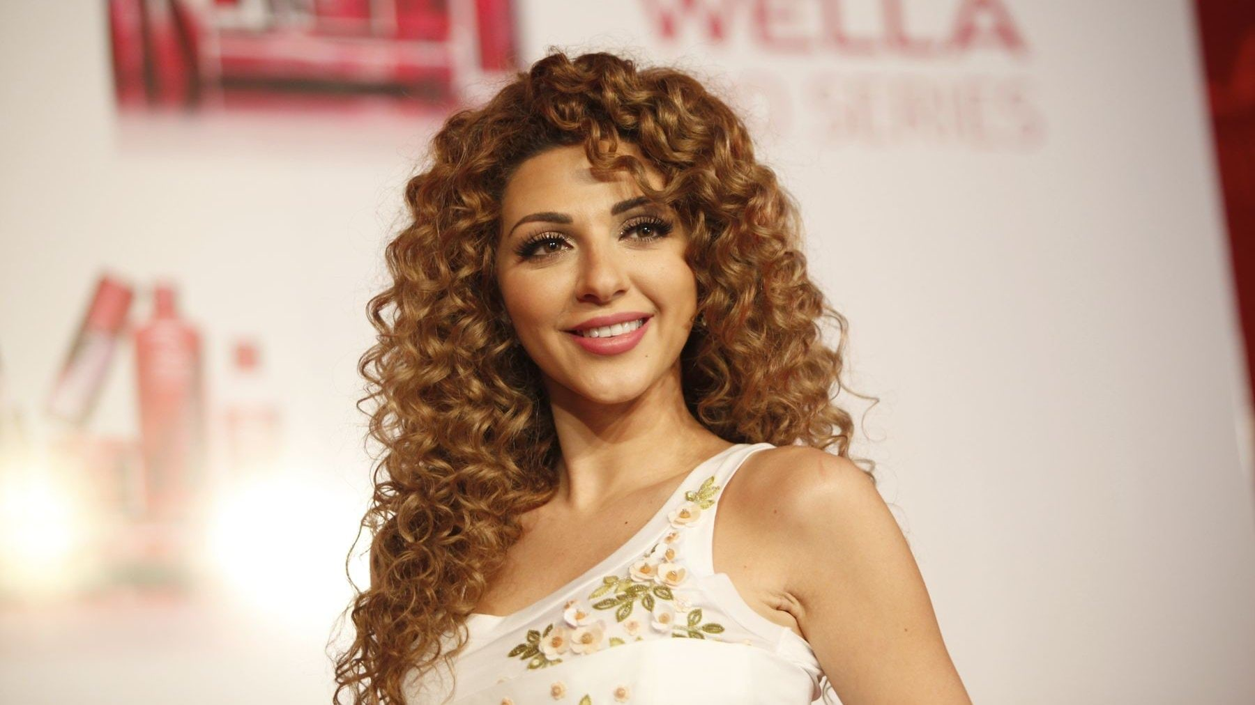 myriam-fares-cute-smile