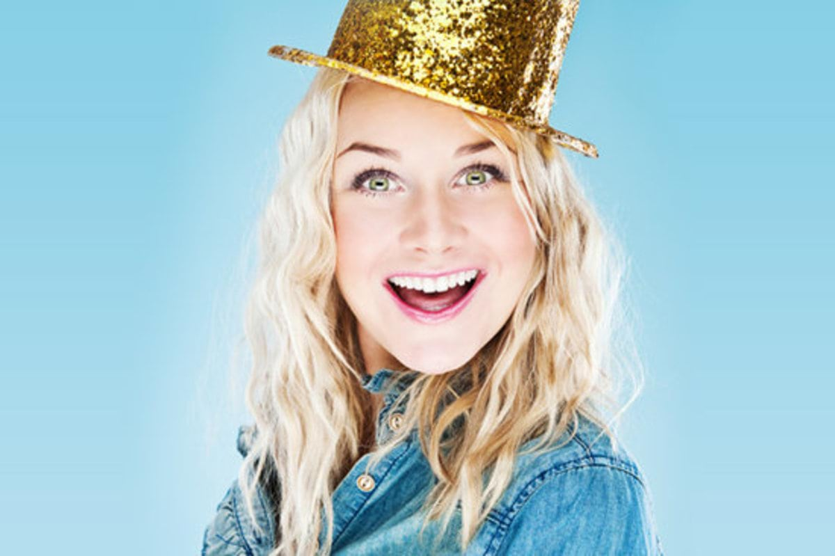 rsz_new-years-eve-woman-wearing-glitter-hat-sparkle-makeup