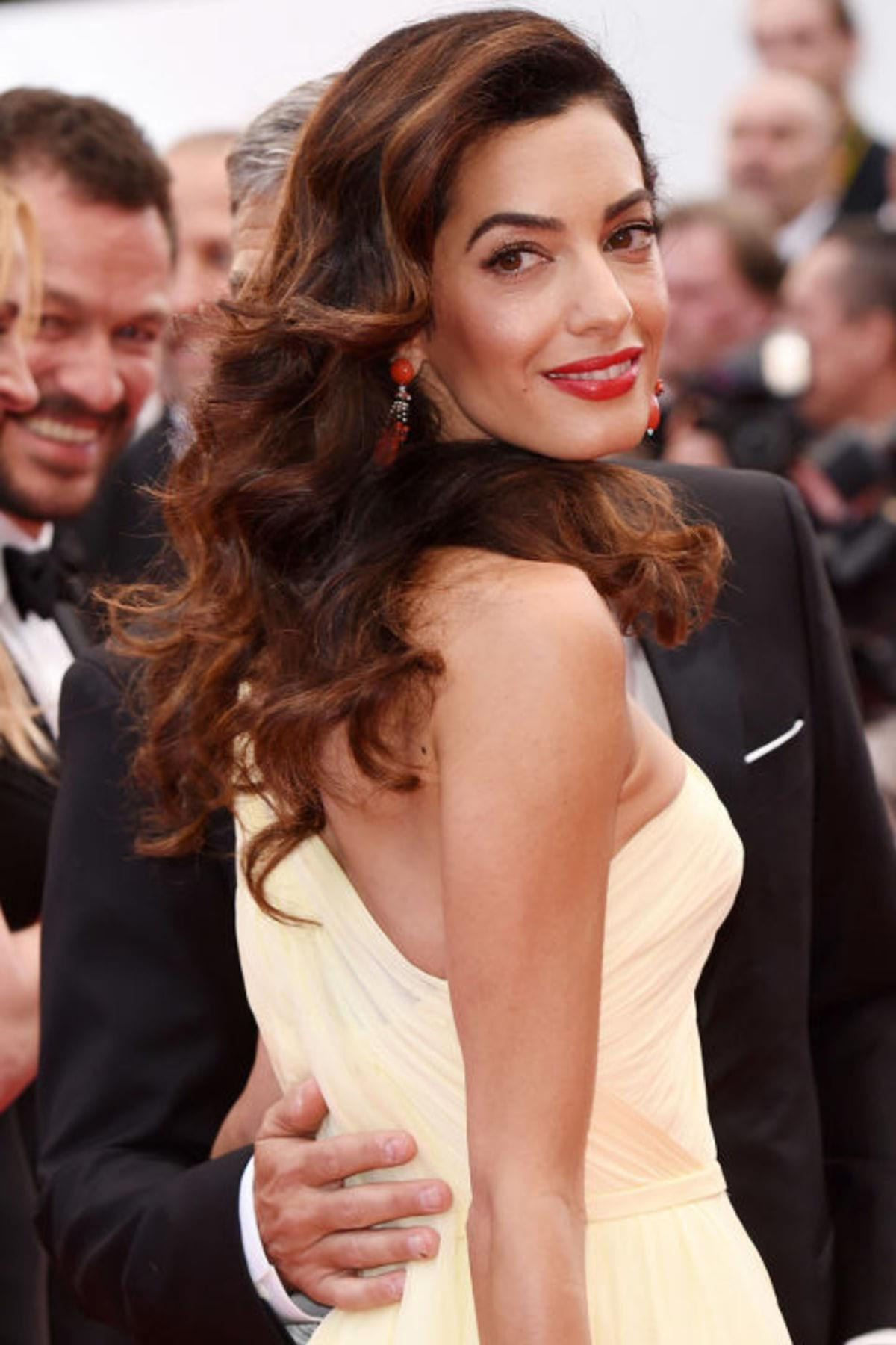 gallery-1469548487-hbz-amal-cannes-shutterstock