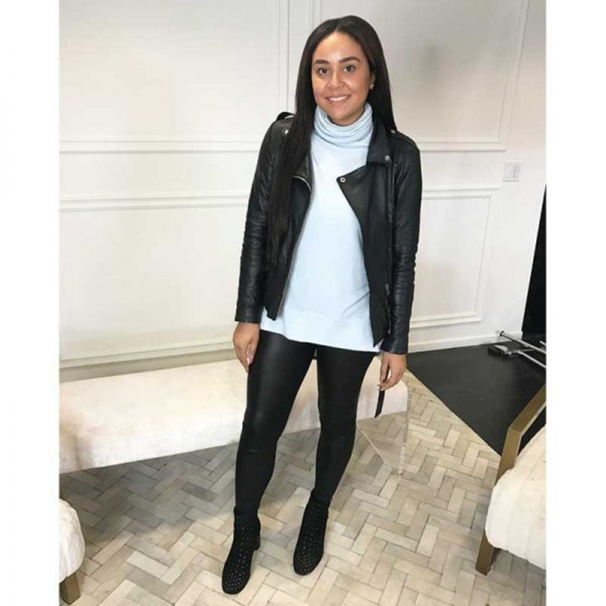 how-to-style-leggings-leather-jacket-600x600